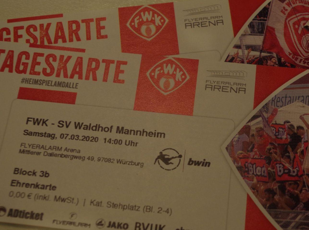 Würzburger Kickers gegen SV Waldhof Mannheim: Wir verlosen Karten! (beendet)