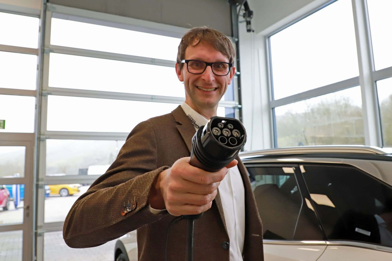 Autohaus Henneberger begeistert für Elektromobilität