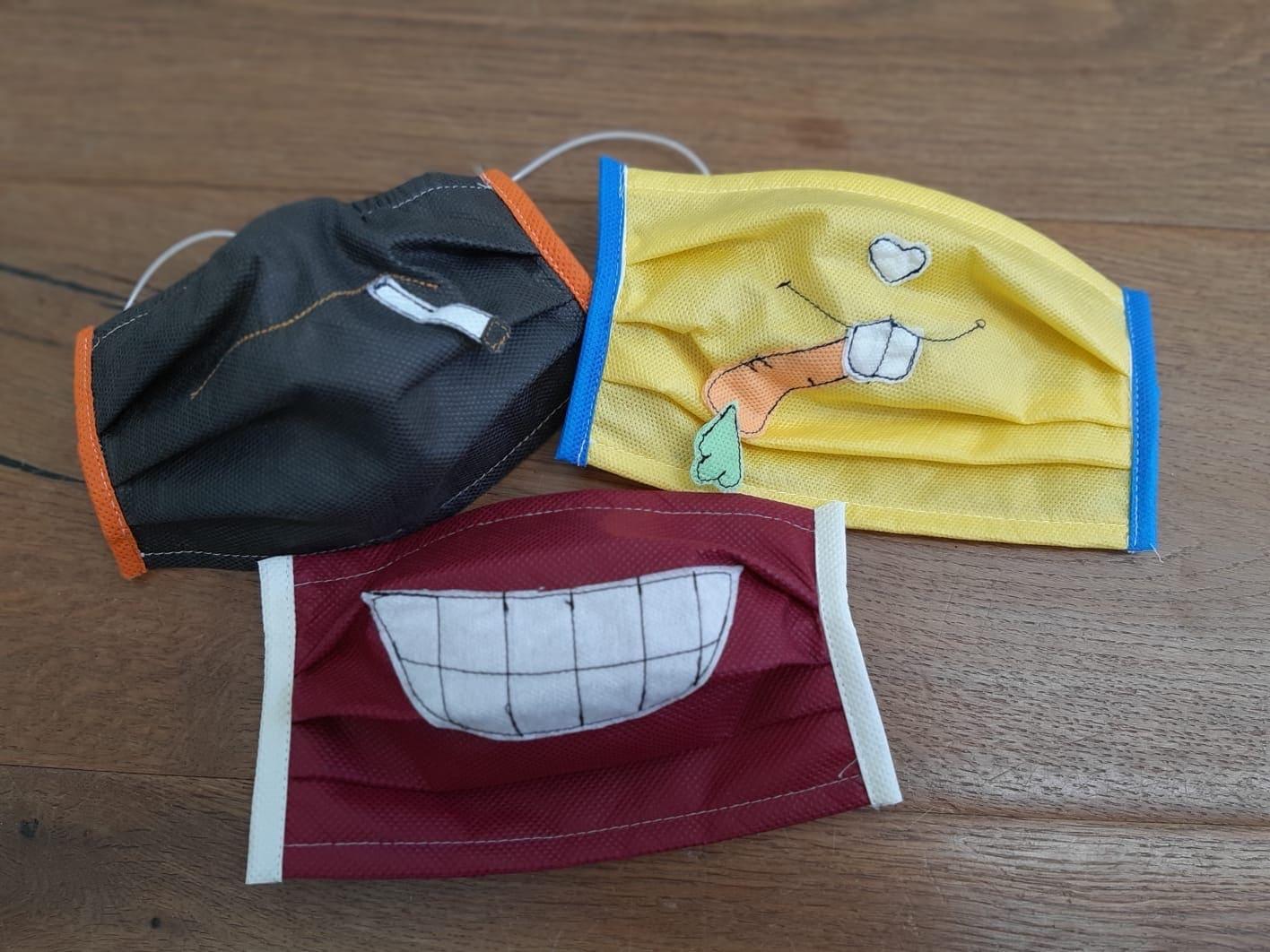 """Masken aus der """"Glücksschneiderei"""" machen einfach glücklich"""