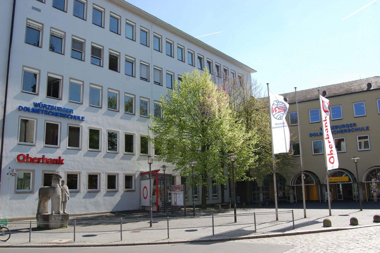 In Sachen Digitalisierung ganz vorne: Würzburger Dolmetscherschule erhält doppelte Auszeichnung