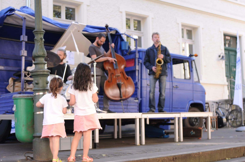 Mozartfest Würzburg bringt Kurzkonzerte in private Hinterhöfe