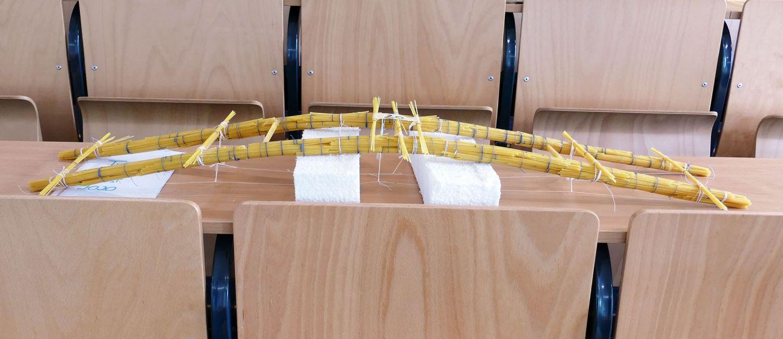 Spaghetti-Brücken im Belastungstest