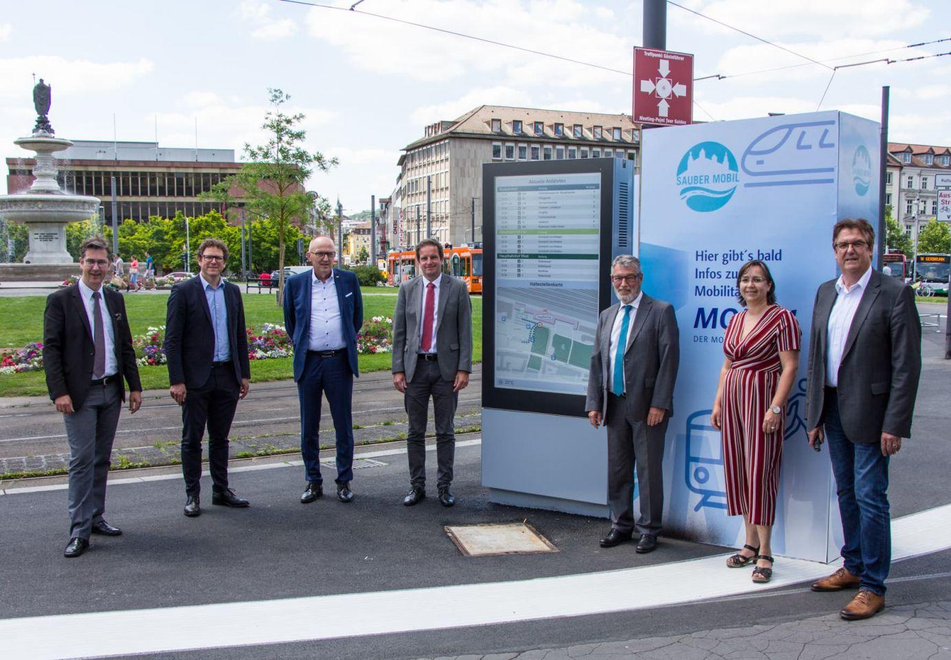 """""""Mobilitätsmonitor"""" am Hauptbahnhof: ÖPNV-Verbindungen, Baustellen, Staus und Serviceangebote"""