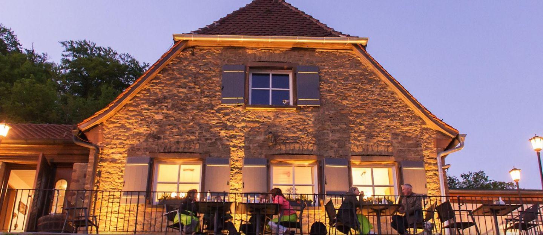 Gaststube Stollburg: Lebensfreude auf Frankens höchstem Weinberg