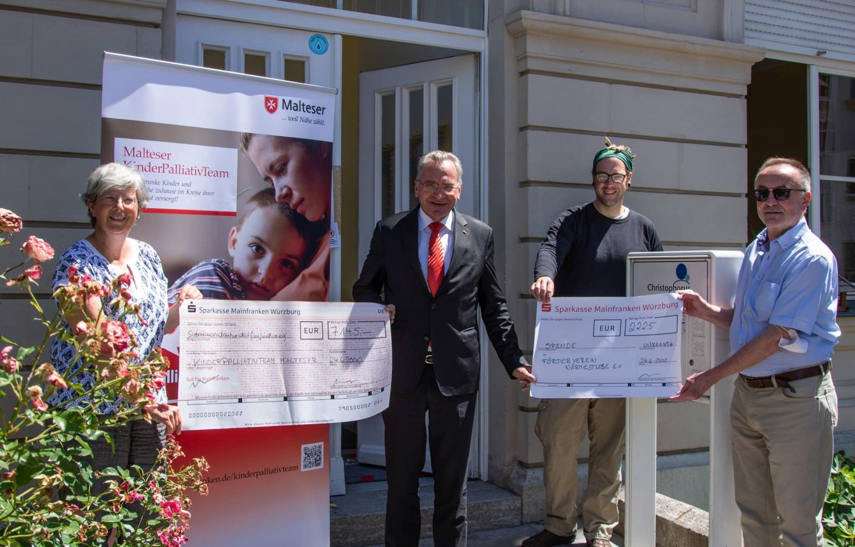Lehrieders Geburtstagsgäste spenden über 9.000 Euro für Wärmestube und Palliativteam