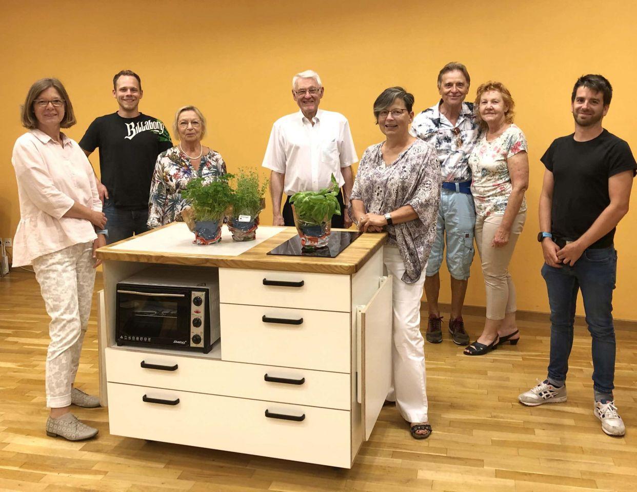 Mobile Kochstation: AWO Würzburg gibt 3.400 Euro
