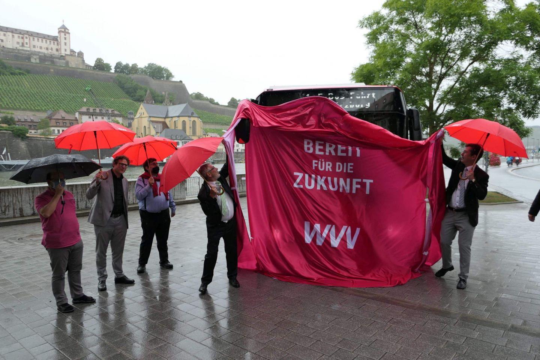 Erste Elektrobusse rollen umweltfreundlich durch Würzburg