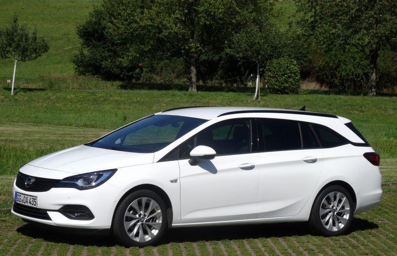 Auto Opel Astra Sports Tourer