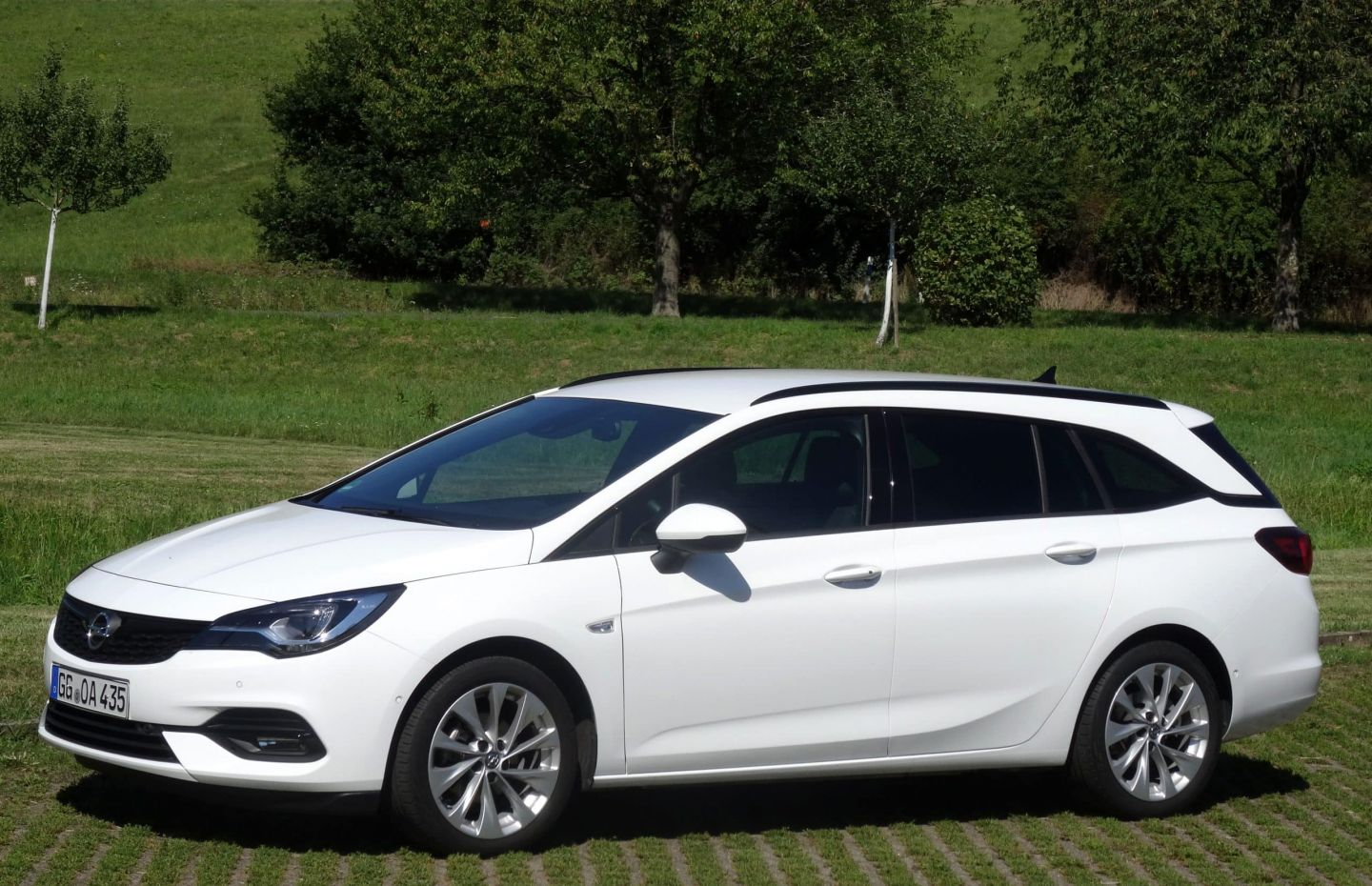 Auto Opel Astra Sports Tourer