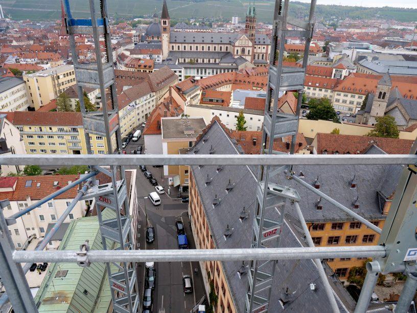 Neubaukirche Baustelle Neubautum Turmuhren Wuerzburg