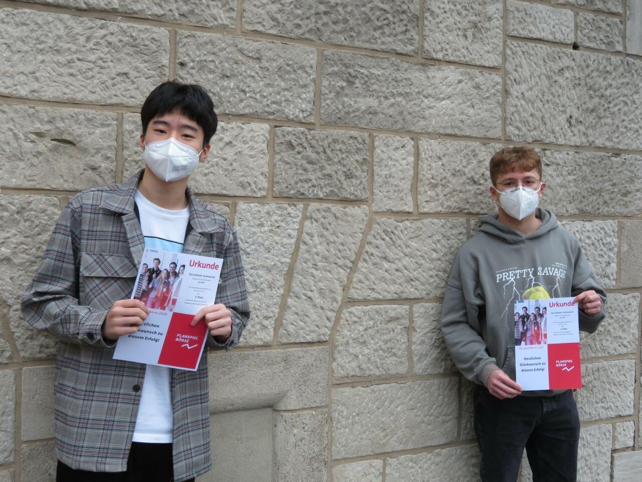Siebold-Schüler siegen beim Planspiel Börse der Sparkassen