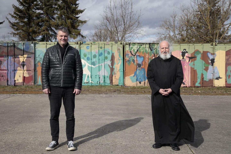 Pater Anselm Grün wirbt für Würzburger Partnerkaffee
