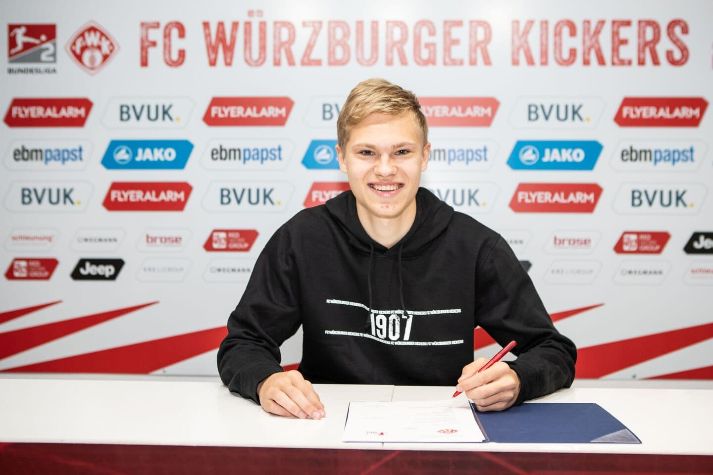 Kickers: Nachwuchstalent Louis Breunig erhält Profivertrag