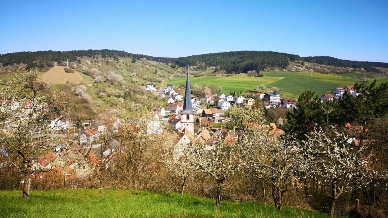 ZweiUferLand-Kirschenweg-Leinach