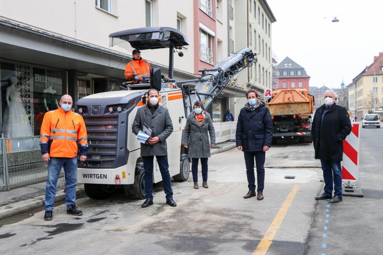 Die fräst ganz schön was weg: Neue Straßenfräse für den Bauhof der Stadt Würzburg