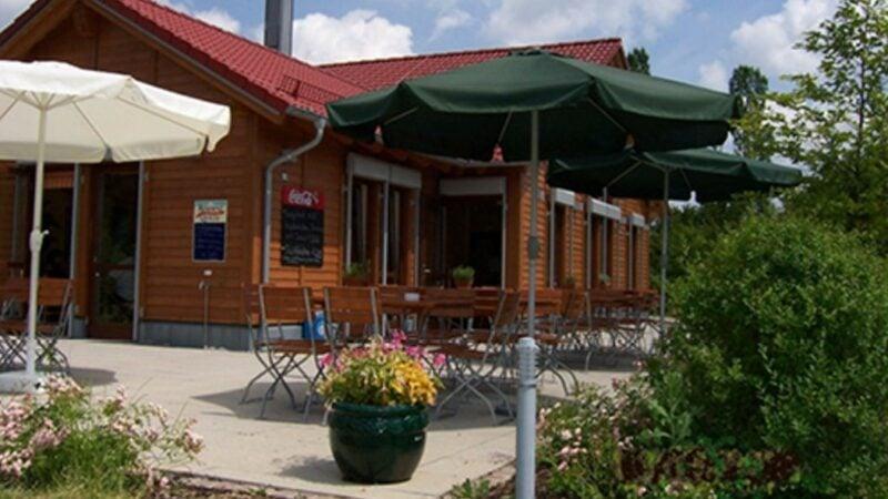 Café-Perspektive-Pfingsten-Biergarten