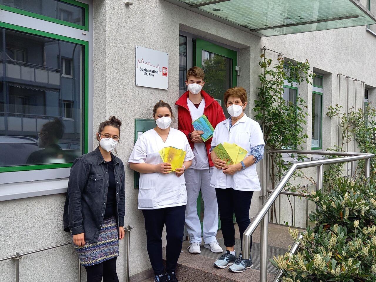 Briefe gegen Einsamkeit: Schüler aus Würzburg schreiben an Senioren
