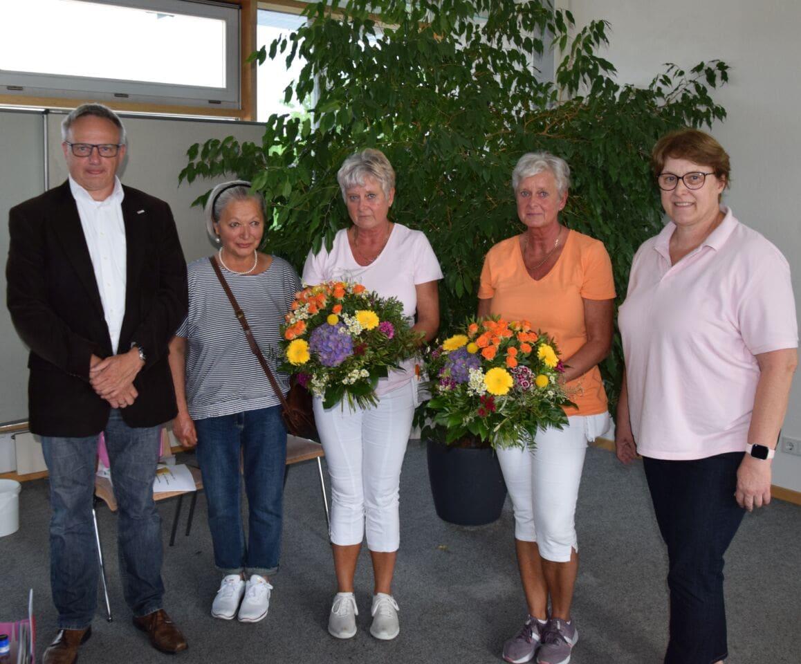 2 x 44 Jahre beim BRK: Zwillingsschwestern in den Ruhestand verabschiedet