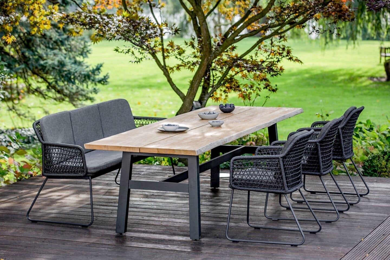 Gartenmöbel-Trends 2021: Grünes Wohnzimmer