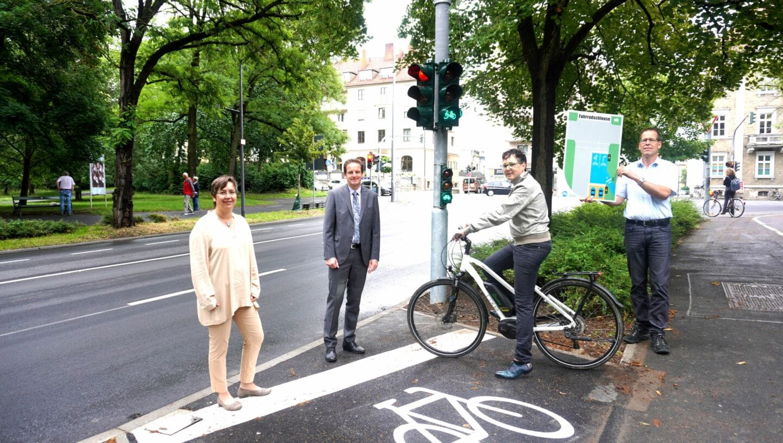 Erste Fahrradschleuse in Würzburg geht in Betrieb