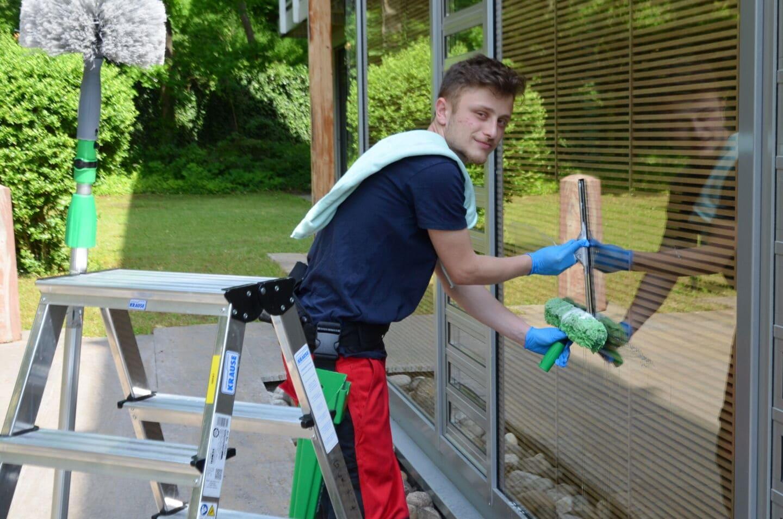 Ausbildung: Saubere Perspektive als Gebäudereiniger
