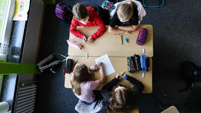 Grundschule-Bayern-Maskenpflicht-Lolli-Tests