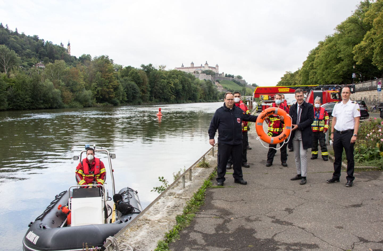 """Neues Rettungsboot """"Würzburg VII"""" der Berufsfeuerwehr im Einsatz"""