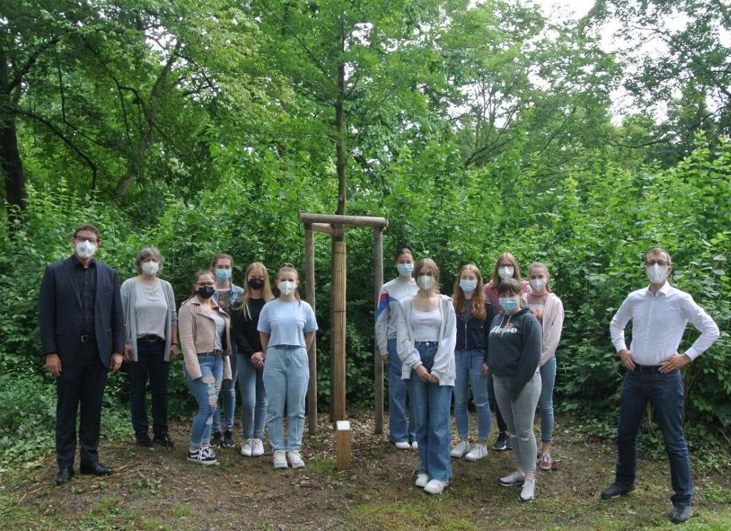 Maria-Ward-Schule: Baumspende für den Ringpark