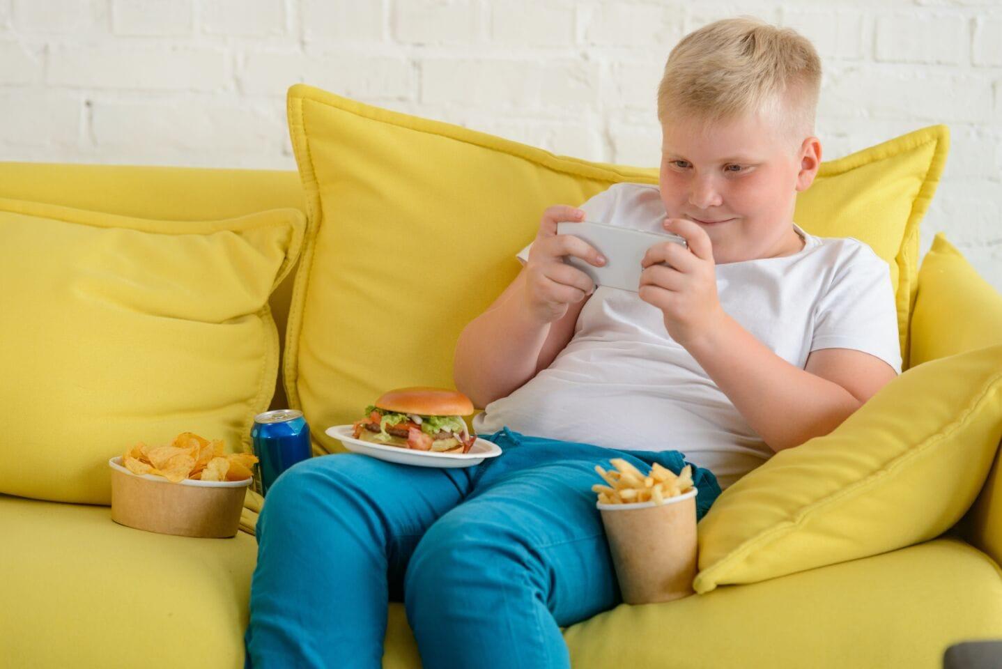 Corona-Stubenhocker & Co: Immer mehr übergewichtige Kinder